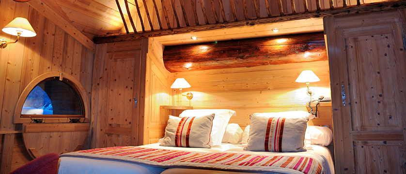 france_espace_killy_ski_area_val_d'lsere_hotel_christiania_standard-room.jpg